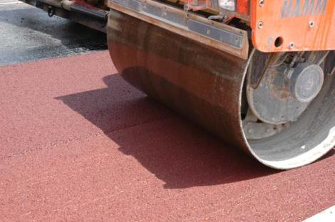 Colored asphalt and concrete colored Article