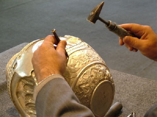 Research strategies for the development of handicrafts and tourism in Iran